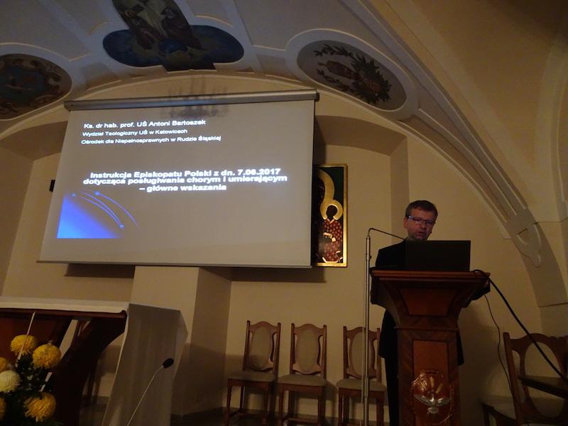 ks. prof. dr hab. Antoni Bartoszek Dziekan Wydziału Teologicznego Uniwersytetu Śląskiego